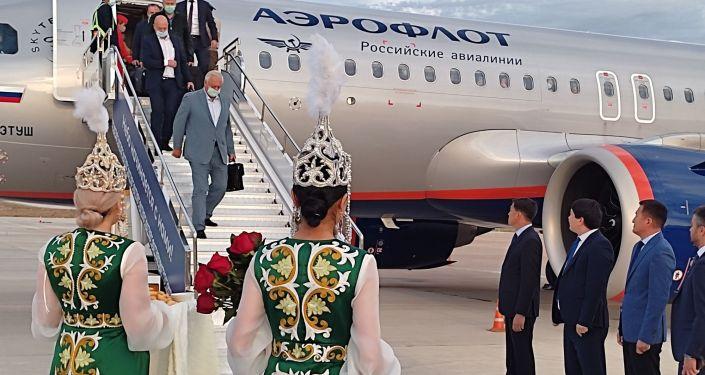 В Кыргызскую Республику для участия в очередном заседании Евразийского межправительственного совета прибыл председатель Евразийской экономической комиссии Михаил Мясникович