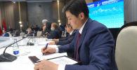 Министрлер кабинетинин төрагасы Улукбек Марипов Чолпон-Ата шаарында өткөн Евразиялык өкмөттөр аралык кеңешинин жыйыны учурунда