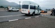 Ысык-Көл облусунда журналисттерди алып бара жаткан кичи автобус жол кырсыгына кабылган
