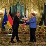 Президент России Владимир Путин и федеральный канцлер Германии Ангела Меркель во время встречи в Москве.