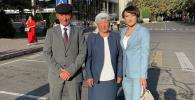 Токио Олимпиадасынын күмүш байгесин уткан кыргыздын балбан кызы Айсулуу Тыныбекова ата-энеси менен