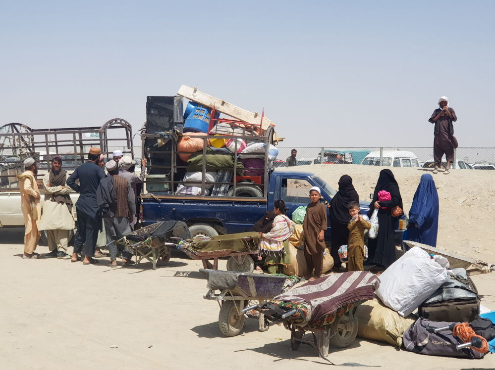 Ар кыл маалыматтарга караганда, Афганистандан күнүгө 30 миңге чукул адам чыгып кетүүдө