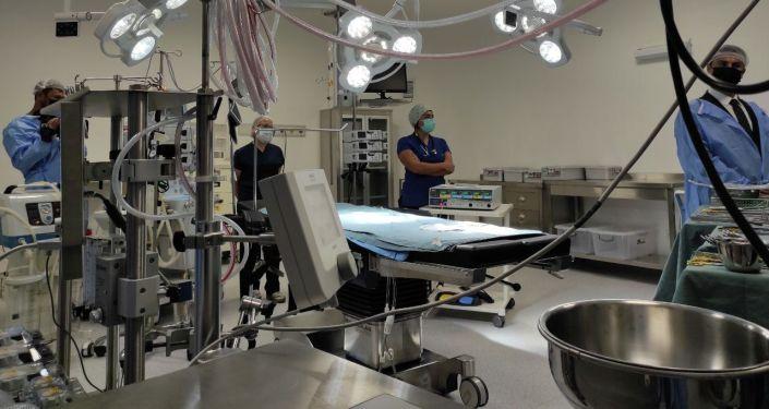 Медицинское оборудование в Бишкекской государственной больницы кыргызско-турецкой дружбы во время официального открытия. 26 августа 2021 года