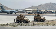 Солдаты армии США патрулируют международный аэропорт имени Хамида Карзая 82-й воздушно-десантной дивизии в Кабуле. Архивное фото
