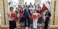 Мэр Бишкека Айбек Джунушалиев наградил сотрудников мэрии, структурных подразделений и предприятий