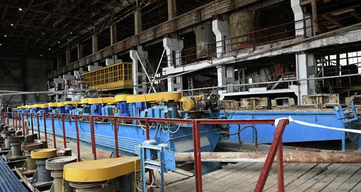 Айдаркенский ртутный комбинат, расположенный в городе Айдаркен, где с визитом находится президент КР. 28 августа 2021 года
