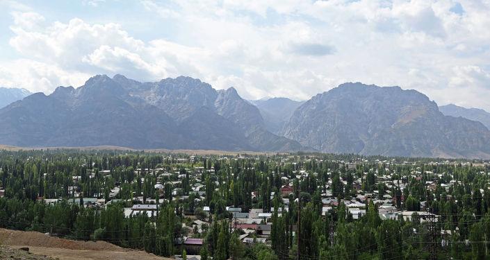 Город Айдаркен, в Кадамжайском районе Баткенской области, где с визитом находится президент КР. 28 августа 2021 года
