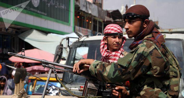 Талибан террористтик кыймылынын согушкерлери. Архивдик сүрөт