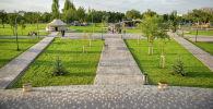 Отдыхающие в новом парке Ынтымак в Бишкеке. Архивное фото