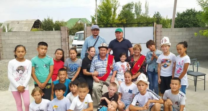 Усыновившие более 20 детей Иса Омуракунов и Таалайгуль Арзыматова  построили для своих детей спортзал в селе Маловодное Сокулукского района