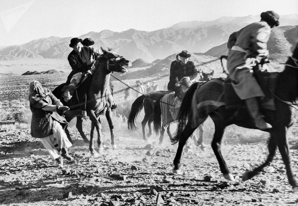 Базаровдун Каныбек фильминде кыргыз элинин XIX кылымдагы жашоо-турмушу чагылдырылган