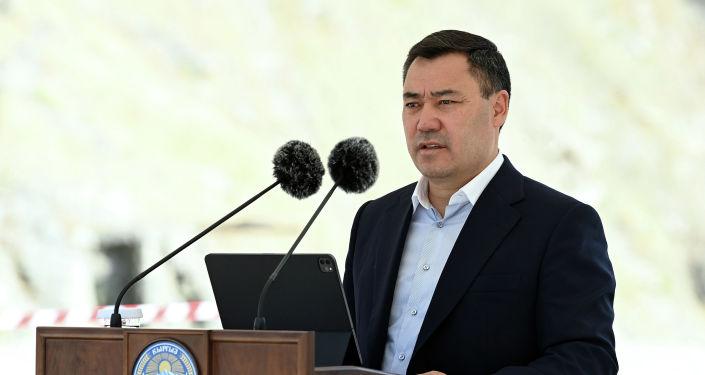 Президент Кыргызской Республики Садыр Жапаров заложил капсулу под строительство новой гидроэлектростанции Бала-Саруу при Кировском водохранилище. 29 августа 2021 года