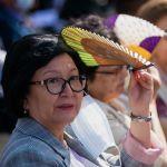 Зрители ожидают начала торжественного мероприятия в честь 30-летия независимости КР
