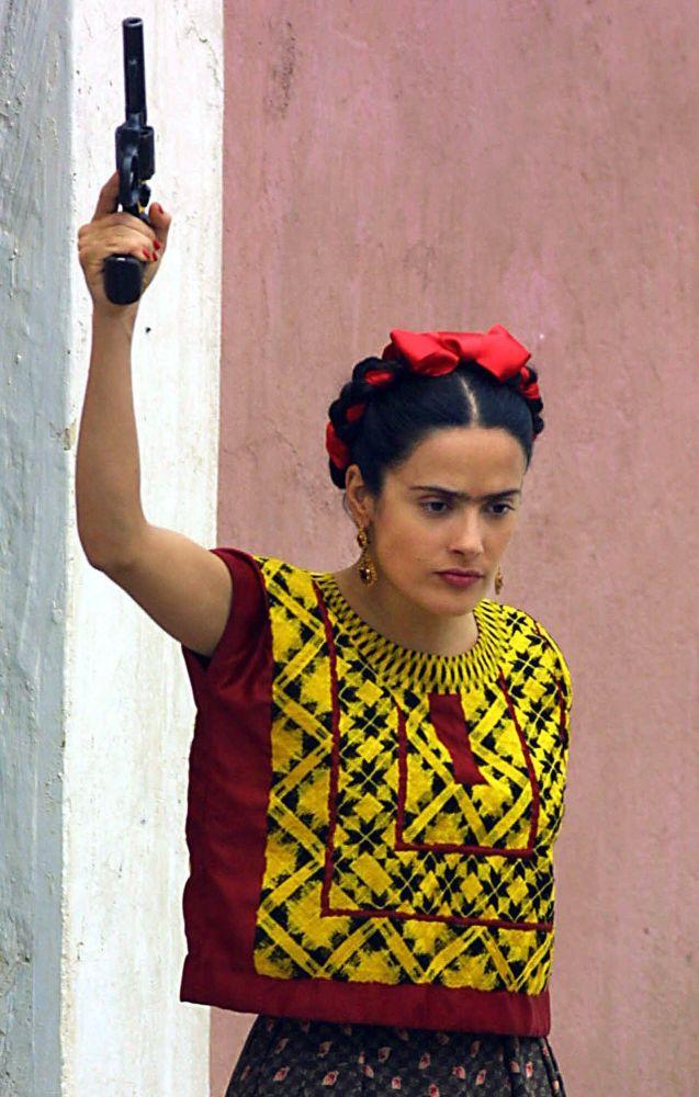 Фото сделано во время съемок фильма Фрида в Пуэбле (Мексика) 9 апреля 2001 года