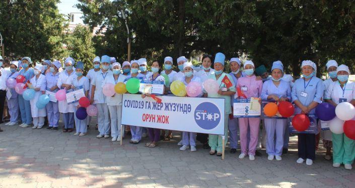 В Баткене стартовала 10-дневная акция за вакцинацию против коронавируса