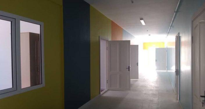 Строительство школы имени Ашырбая Коенкозова в селе Токтоян, в Иссык-Кульской области было завершено. 02 сентября 2021 года