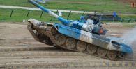 Кыргызстандын танк биатлонунун командасы  Танк биатлону — 2021 жарышы учурунда