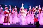 Абдылас Малдыбаев атындагы Кыргыз улуттук академиялык опера жана балет театрынын чоң сахнасында 20 жылдан ашык убакыттан кийин Ак Мөөр опера-дастаны кайрадан жаңыртылып коюлду