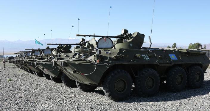 Военная спецтехника во время совместных учений Рубеж-2021 на полигоне Эдельвейс в Кыргызстане. 05 сентября 2021 года