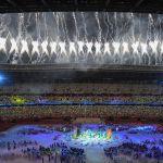 Токионун Улуттук Олимпиада стадионунда өткөн XVI жайкы Паралимпиадалык оюндардын салтанаттуу жабылыш аземинде атылган салют. Мелдеште медаль алуу боюнча жалпы командалык эсепте Кытай 96 алтын, 60 күмүш жана 51 коло байге утуп, жеңүүчү болду. Экинчиде Улуу Британия (41-38-45), ал эми үчүнчү орунду АКШ (37-36-31) ээледи. Россия бул жарышта төртүнчү болуп калды.