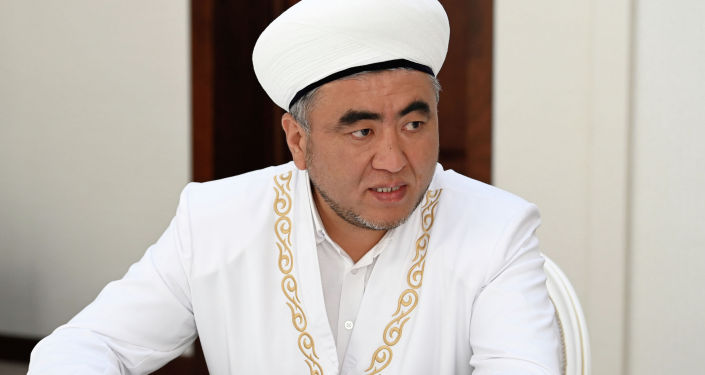 Муфитий Замир каары Ракиев на встрече с президентом Кыргызстана Садыром Жапаровым. 06 сентября 2021 года
