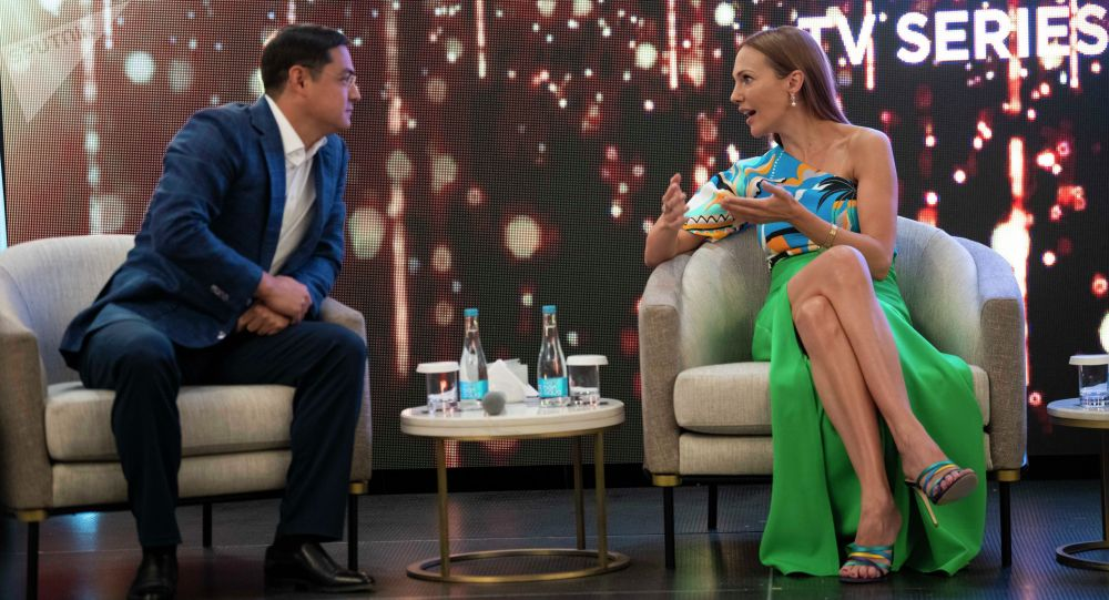 Звезда турецкого сериала Великолепный век Мерьем Узерли в Бишкеке