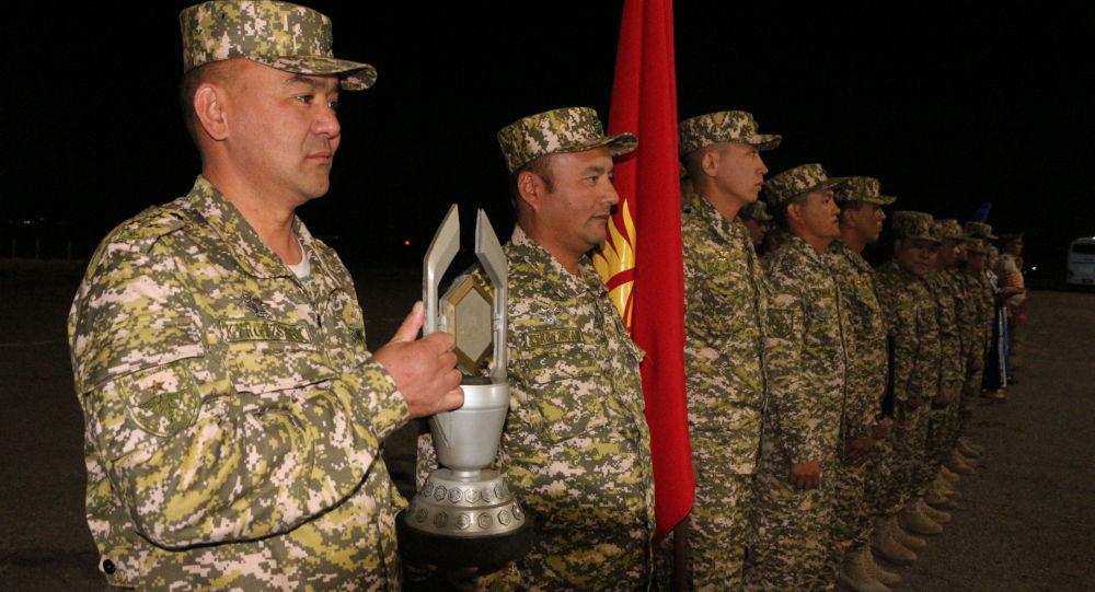 Церемония встречи военнослужащих Кыргызстана принимавших участие в АрМИ-2021