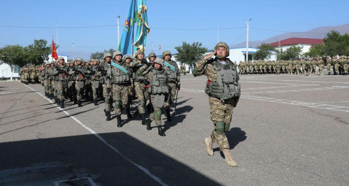 Военнослужащие на церемонии открытия учений Коллективных сил быстрого развертывания Центральноазиатского региона коллективной безопасности ОДКБ Рубеж-2021на базе учебного центра Эдельвейс