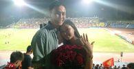 Предложение руки и сердца на трибунах стадиона во время матча Кыргызстан — Бангладеш