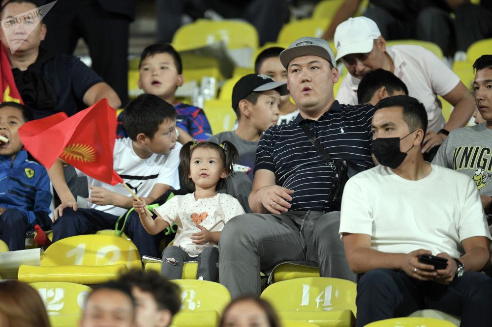 На матч пришло около 14 тысяч болельщиков, в том числе с семьями