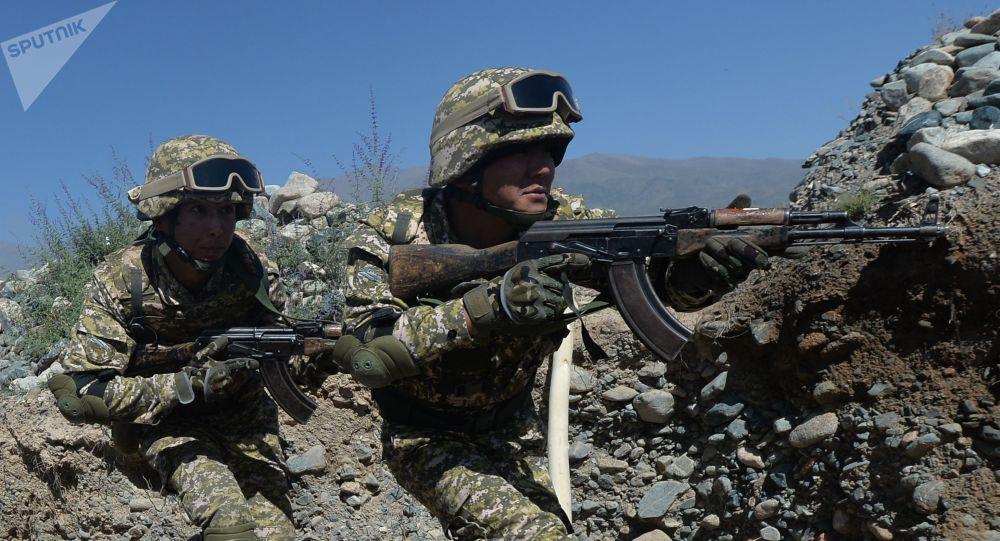 Военнослужащие на совместных учениях с коллективными силами быстрого развертывания Центрально-Азиатского региона коллективной безопасности ОДКБ Рубеж-2021 в Кыргызстане