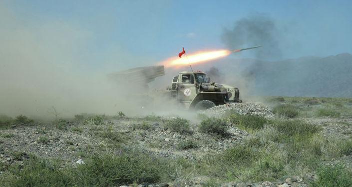 Военная спецтехника во время учений Рубеж-2021 в Иссык-Кульской области. 09 сентября 2021 года
