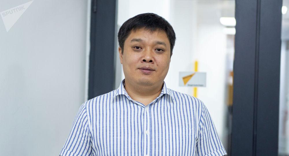 Экс-советник министра экономики, директор Института развития госуправления при Академии президента Улукман Мамытов