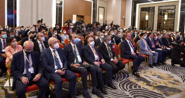 Участники Х заседания Межправительственной кыргызско-турецкой комиссии в Бишкеке