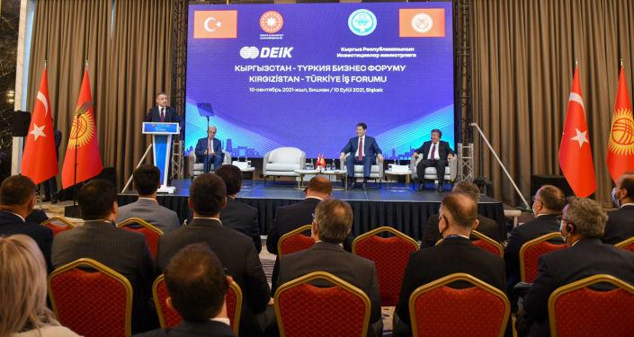 Председатель Кабинета Министров Кыргызстана Улукбек Марипов во время Х заседании Межправительственной кыргызско-турецкой комиссии в Бишкеке