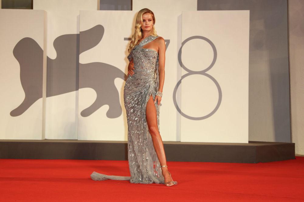 Норвегиялык модель Фрида Аасен венециялык 78-кинофестивалда