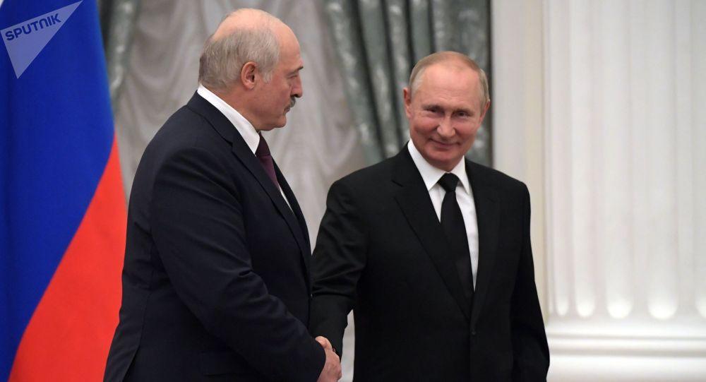 Россиянын президенти Владимир Путин Беларусьтун президенти Александр Лукашенко менен жолугушуу учурунда