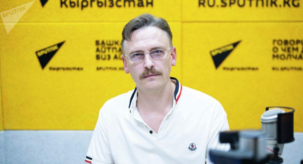 Врач-гирудотерапевт Андрей Плотицын на радио Sputnik Кыргызста