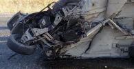 Жалал-Абаддын Токтогул районунда Жигули ВАЗ 2107 менен MAN күйүүчү май ташыган автоунаасы кагышты