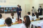 Глава кабмина призвал школьников ставить амбициозные цели, а также рассказал о случае, который, по преданию, произошел в Османской империи.