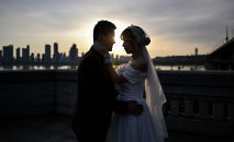 Свадебная пара в Китае. Архивное фото