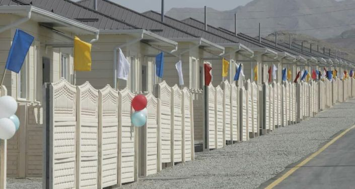 Один из домов в городке Мадина, построенной для семей погибших в результате вооруженного конфликта на кыргызско-таджикской границе