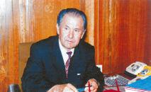Общественный и государственный деятель, дипломат Апас Жумагулов проработал на различных государственных должностях более 50 лет.
