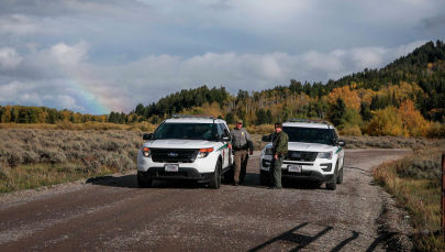 Полицейские штата Вайоминг на территории национального парка Гранд-Тетон