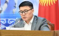 Депутат Жогорку Кенеша Тазабек Икрамов на заседании Комитета по международным делам, обороне и безопасности