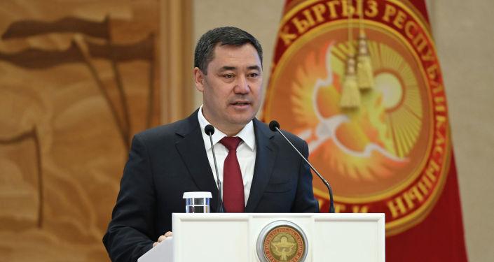 Президент Садыр Жапаров на торжественной церемонии вручения государственных наград отличившимся кыргызстанцам. 22 сентября 2021 года