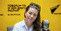 Писатель, журналист и исследователь Диана Светличная во время беседы на радио Sputnik Кыргызстан