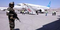 Кабул аэропортундагы Талибан кыймылынын мүчөсү