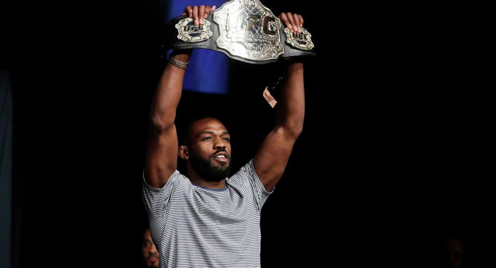 Бывший чемпион UFC в полутяжелом весе Джон Джонс. Архивное фото