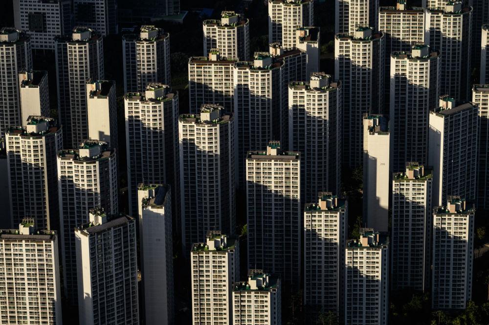 Вид с 123-этажного небоскреба Lotte World Tower в Сеуле.
